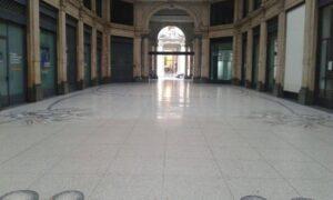 galleria meravigli Milano, lucidatura del marmo